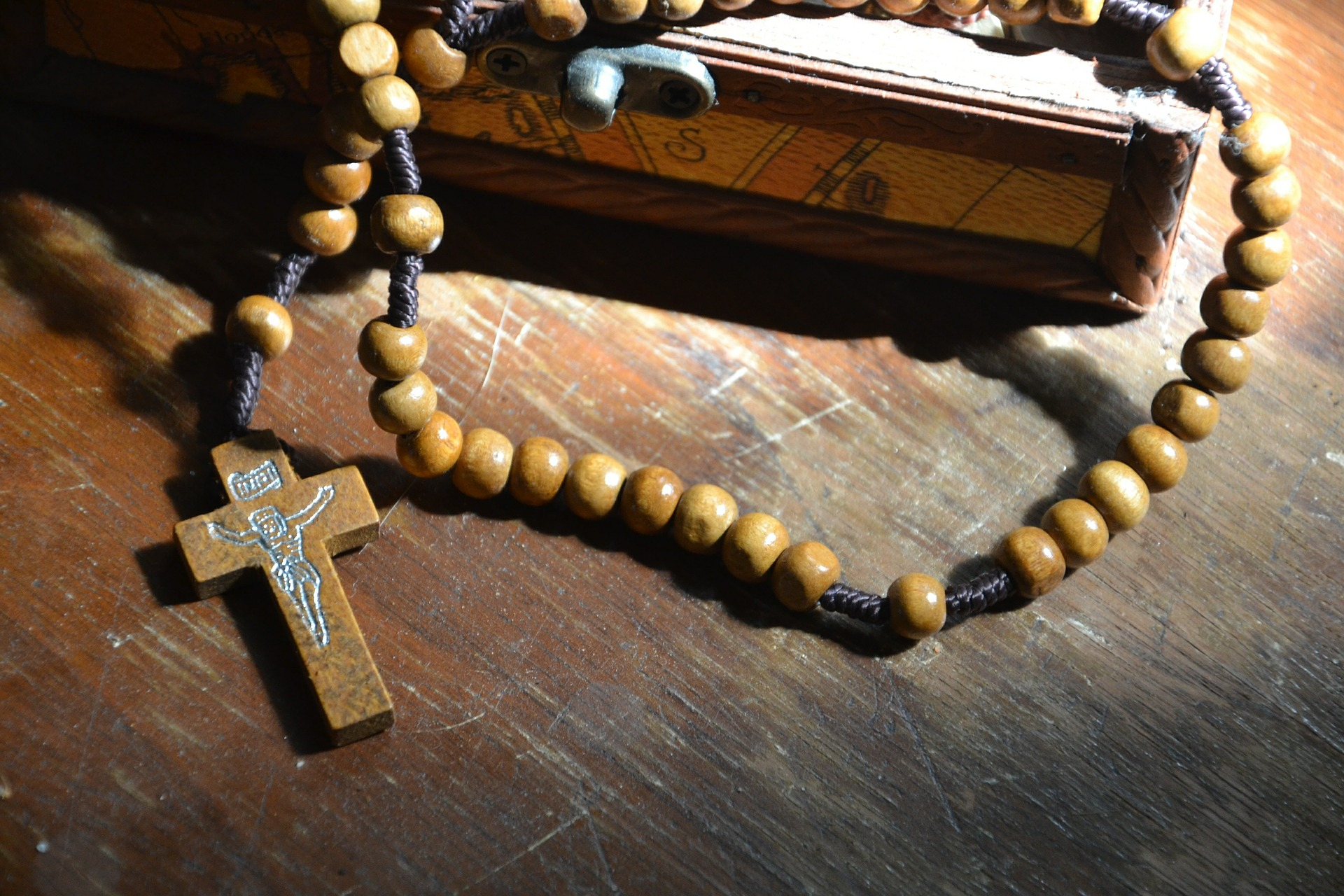 franciscan-rosary-how-to-pray cover